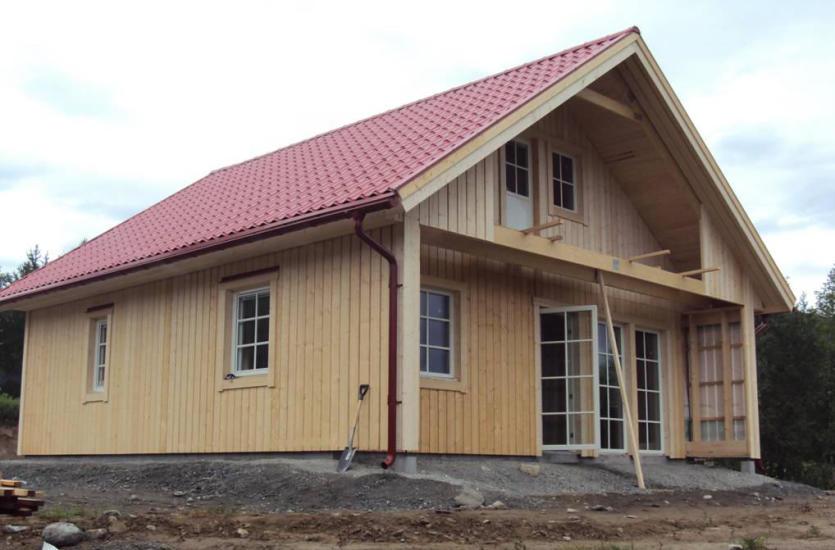 Каковы характеристики деревянных домов и можно ли их использовать круглый год?